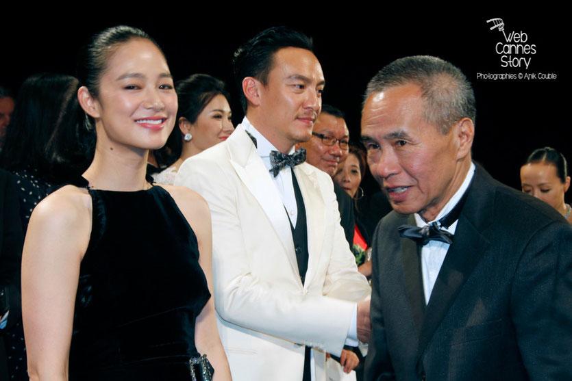 """Yun Zhou, Chang Chen et le réalisateur Hou Hsiao-Hsien, lors de la projection de son film """"The assassin"""" -  Festival de Cannes 2015 - Photo © Anik COUBLE"""