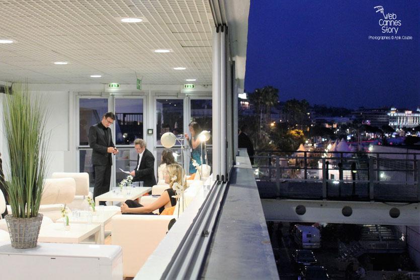 Un espace de tranquillité dans le Palais - Festival de Cannes 2011 - Photo © Anik Couble