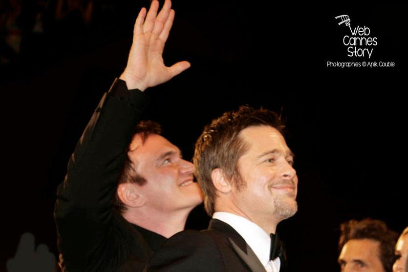 """Quentin Tarantino et Brad Pitt, lors de la projection du film """"Inglorious Basterds"""" - Festival de Cannes - 2009 - Photo © Anik COUBLE"""