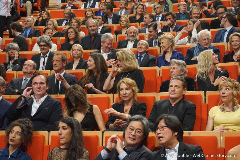 Catherine Deneuve, emue parmi les nombreux invites - Cérémonie de remise du Prix Lumière - Amphitheâtre 3000 - Lyon - Oct 2016  - Photo © Anik Couble