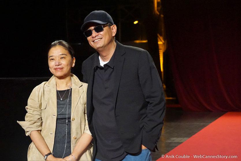 Wong Kar-Wai, accompagné de sa femme Esther - Clôture du Festival Lumière 2017  - Halle  Tony Garnier de Lyon - Photo © Anik Couble