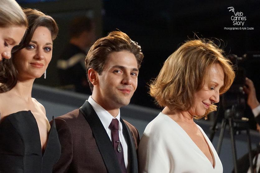 Xavier Dolan, entouré de Nathalie Baye, Marion Cotillard et Lea Seydoux - Festival de Cannes 2016 - Photo © Anik Couble