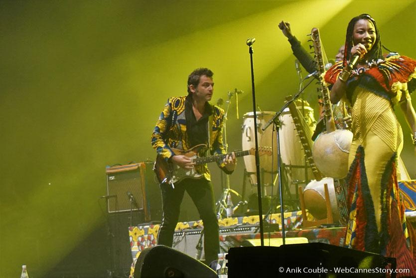 """Matthieu Chedid - M et Fatoumata Diawara, lors du concert """"ÎL est une âme, le baptême de Lamomali - Festival de Cannes 2017 - Photo © Anik Couble"""