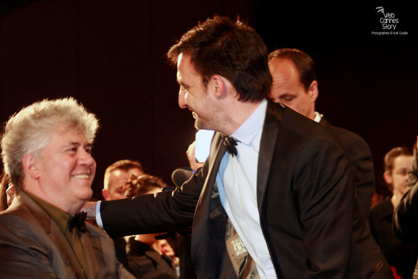 "Pedro Almodovar et Alejandro Amenabar, lors de la projection du film d' Alejandro Amenabar ""Agora""  - Festival de Cannes - 2006 - Photo © Anik Couble"