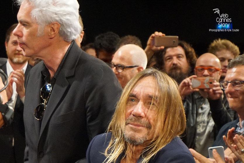"""Iggy Pop et Jim Jarmusch, lors de la projection de son  documentaire """"Gimme Danger"""" - Festival de Cannes 2016 - Photo © Anik Couble"""