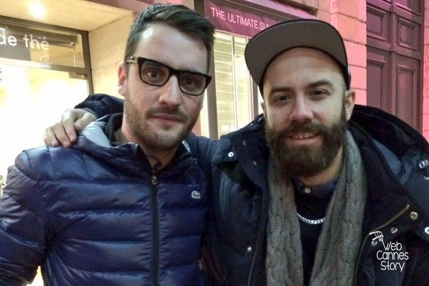 """Mathieu et Woodkid, lors de sa visite surprise, sur le projet """"Inside Out"""" de l'Artiste JR - Lyon  Déc 2013 - Photo © Anik COUBLE"""