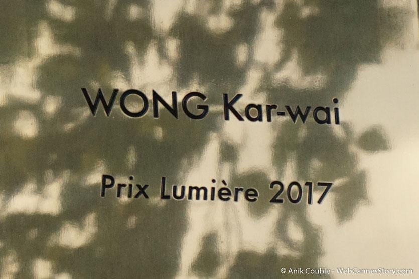 La plaque de Wong Kar-wai, dévoillée sur le mur des réalisateurs, à l'issue du tournage du remake de la Sortie des Usines Lumière - Festival Lumière 2017 -  Lyon - Photo © Anik Couble