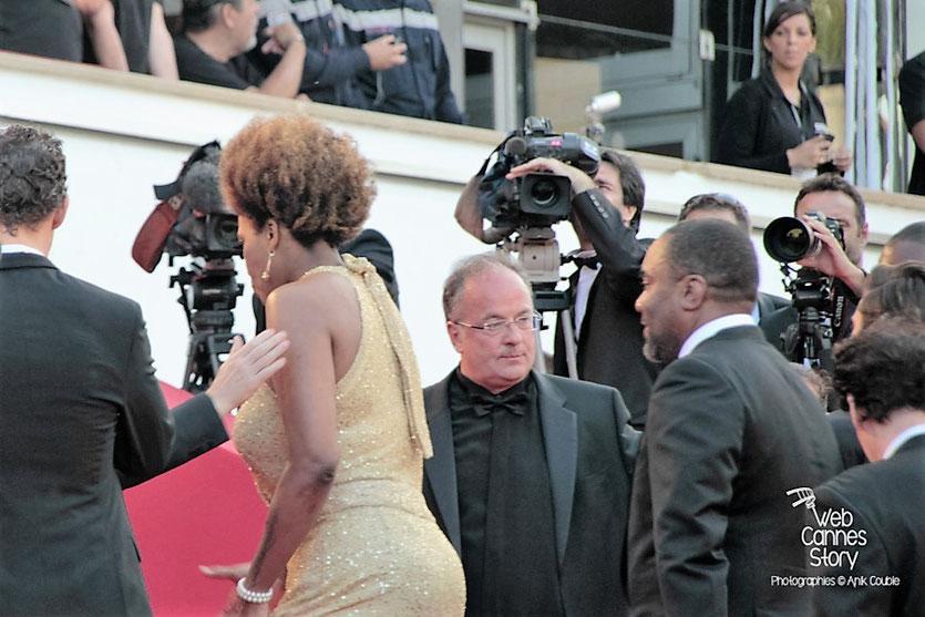 """Arrivéé sur les marches  de l'équipe du film """" The Paperboys """" de Lee Daniels - Festival de Cannes 2012 - Photo  © Anik Couble"""