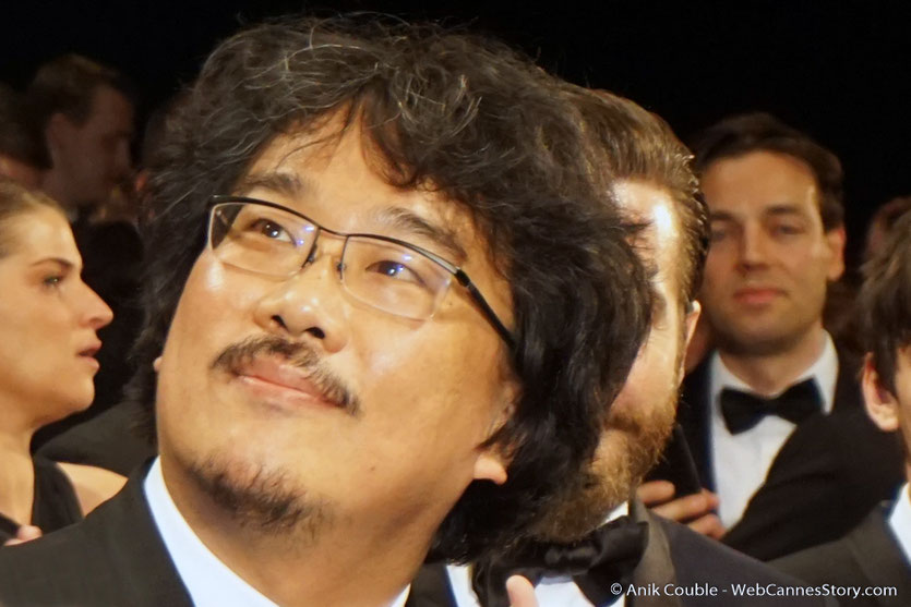 Bong Joon Ho, lors de la projection de son film Okja - Festival de Cannes 2017 - Photo © Anik Couble