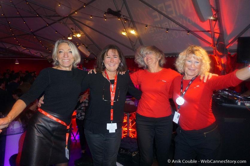 En compagnie de 3 sympathiques bénévoles, Annie, Annie et Constance - Festival Lumière - Lyon - Octobre 2016 - Photo © Anik Couble