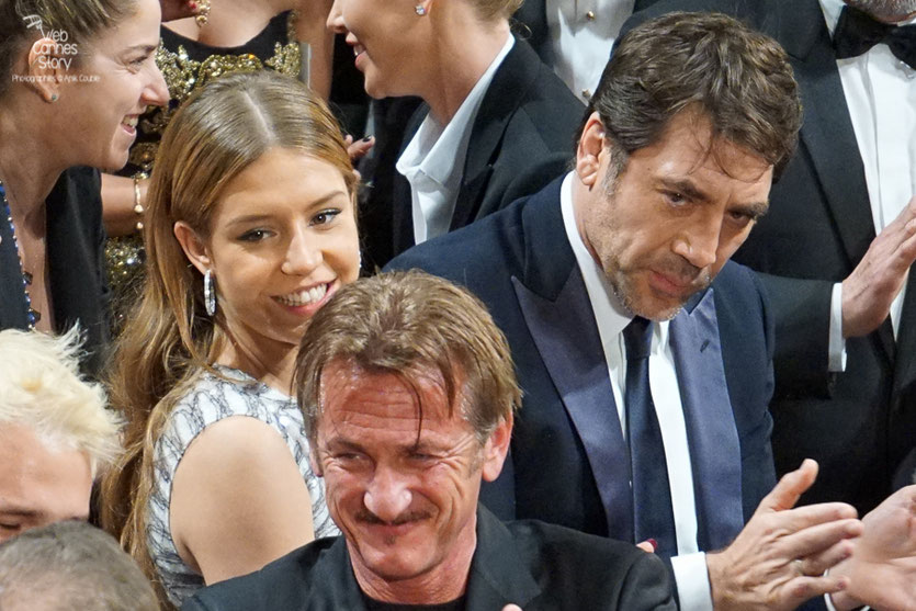 "Sean Penn, entouré de Javier Bardem et Adèle Exarchopoulos,  lors de la projection de son film ""The last face""  - Festival de Cannes 2016 - Photo © Anik Couble"