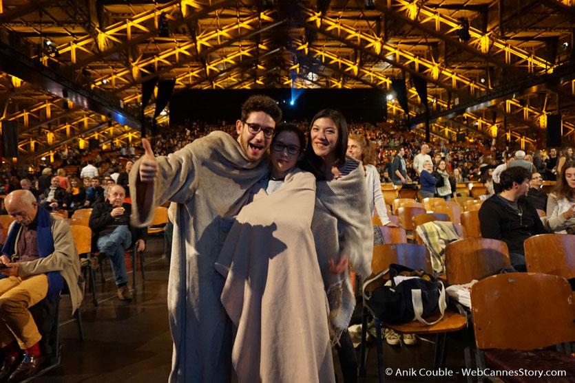 François Mallet, en compagnie de Camille Sarrazin et d'une amie - Nuit bande de potes - Festival Lumière 2016  - Halle  Tony Garnier de Lyon - Photo © Anik Couble