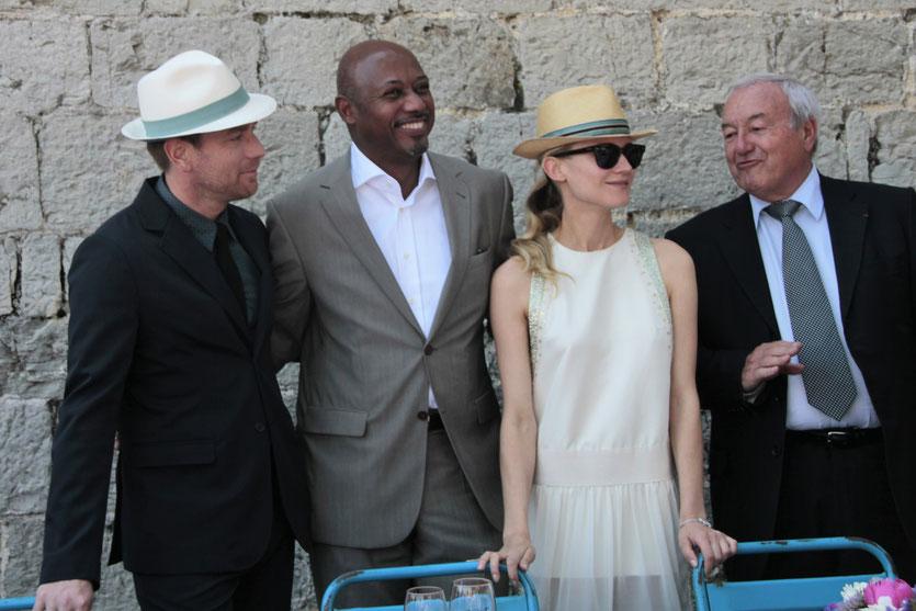 Ewan McGregor et Raoul Peck et Diane Kruger, membres du Jury,  en compagnie de Bernard Brochand, Maire de Cannes - Festival de Cannes 2012 - Photo © Anik COUBLE