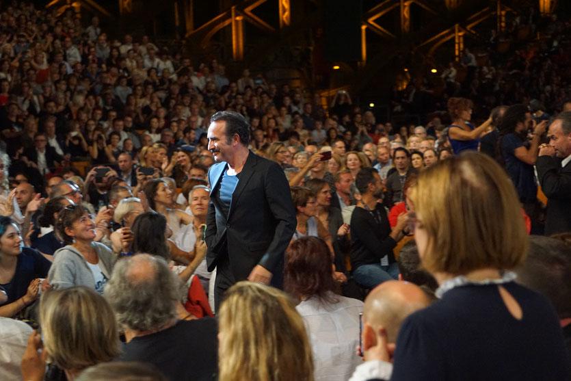 Jean Dujardin, au milieu du public, lors de la cérémonie d'ouverture du Festival Lumière 2018 - Lyon - Photo © Anik Couble