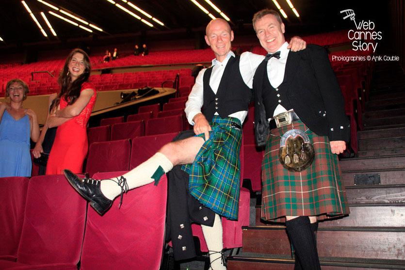 Deux écossais, lors de la présentation de son film «Jimmy's Hall» - Festival de Cannes 2014 - Photo © Anik COUBLE