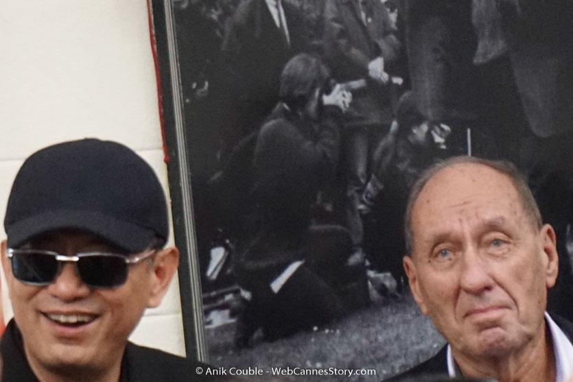 Wong Kar-wai et Max Lefrancq-Lumière, petit fils de Louis Lumière, lors du tournage du remake de la Sortie des Usines Lumière - Festival Lumière 2017 -  Lyon - Photo © Anik Couble