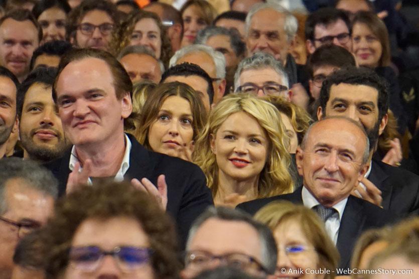 Gérard Collomb, entouré de Quentin Tarantino, Virginie Efira, Ramzy Bedia et des nombreux invités de la Halle Tony - Cérémonie d'ouverture - Festival Lumière 2016 - Lyon - Photo © Anik Couble