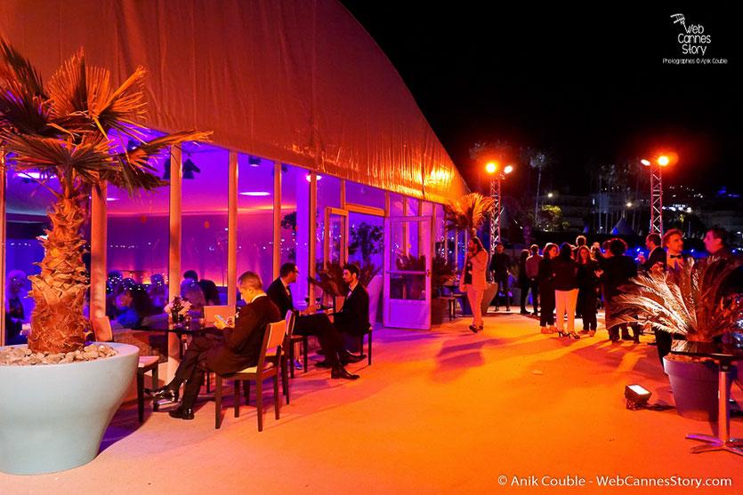 L'Agora sur la plage de l'Hôtel Majestic Barrière – Soirée d'ouverture - Festival de Cannes 2016 - Photo © Anik Couble