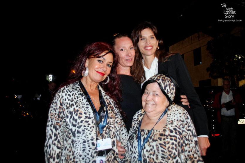 Mes 2 amies Pascaline et Esméralda les célèbres femmes panthères, en compagnie d 'Emmanuelle Bercot et Maïwenn - Festival de Cannes 2015 - Photo © Anik Couble