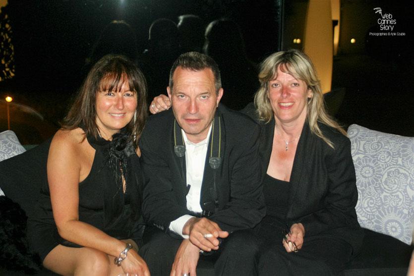 """Anik  Couble, en compagnie de ses amis Daniel Issambert et Dominique, lors de la soirée du film """"Hors la loi"""" de Rachid Bouchareb - Festival de Cannes 2010 - Photo © Anik Couble"""