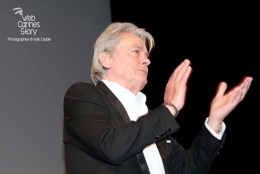"""Alain Delon, présente """"Plein soleil"""", salle Debussy - Festival de Cannes 2013 - Photo © Anik Couble"""