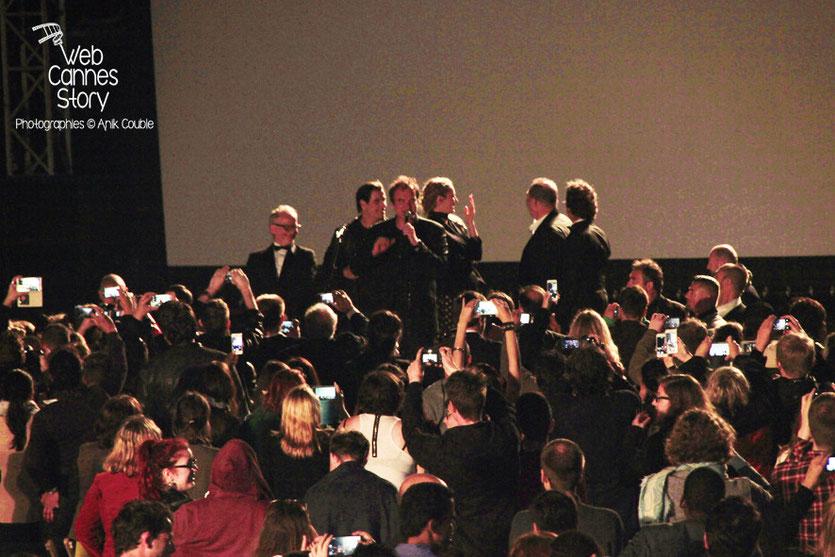 Toute l'équipe de «Pulp Fiction», pour la projection de «Pulp Fiction», au Cinéma de la plage - Festival de Cannes 2014 - Photo © Anik COUBLE