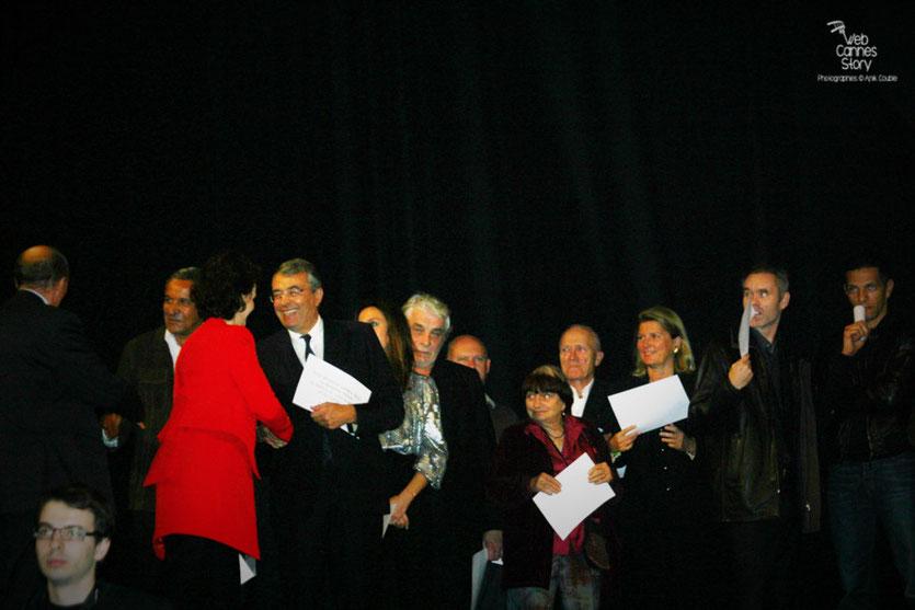 Les invités sur scène - Cérémonie d'ouverture du Festival Lumière - Lyon - Oct 2010 - Photo © Anik COUBLE