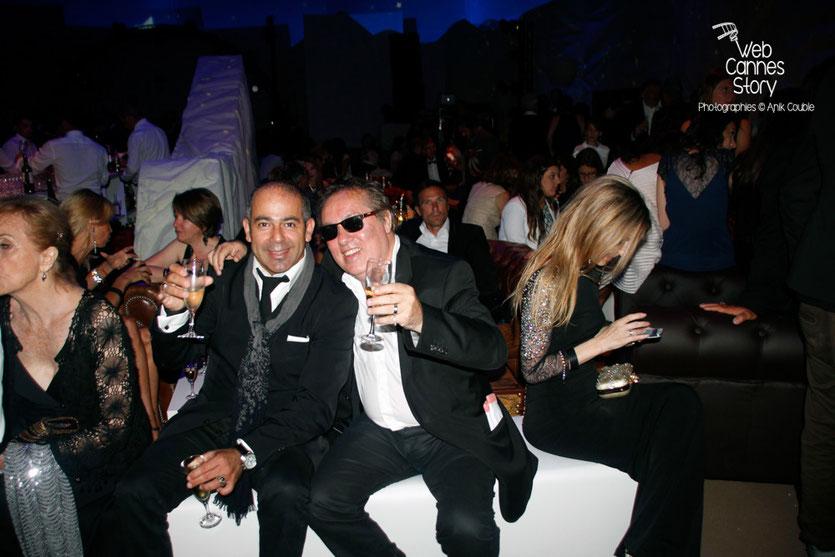"""Hugo Mayer, du blog de Cannes et un ami,  lors de la soirée du film """" Le petit prince """" de Mark Osborne - Festival de Cannes 2015 - Photo © Anik COUBLE"""