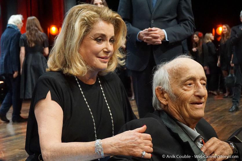 Catherine Deneuve et Mario Gurierri - Cérémonie de remise du Prix Lumière - Amphitheâtre 3000 - Lyon - Oct 2016  - Photo © Anik Couble