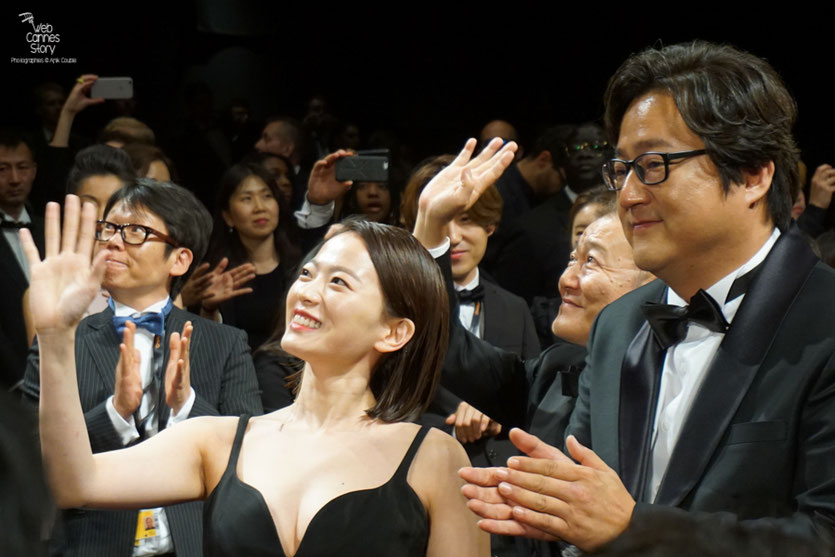 "Chun Woo Hee et Kwak Do Won, lors de la projection du  film ""Goksung"" (The Strangers) de Na Hong Jin - Festival de Cannes 2016 - Photo © Anik Couble"