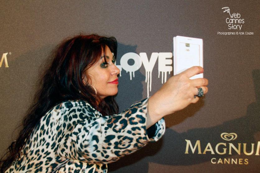 """Esmeralda Petit-Benito, la femme panthère, lors de la soirée du film """" Love """" de Gaspard  Noé - Festival de Cannes 2015 - Photo © Anik COUBLE"""