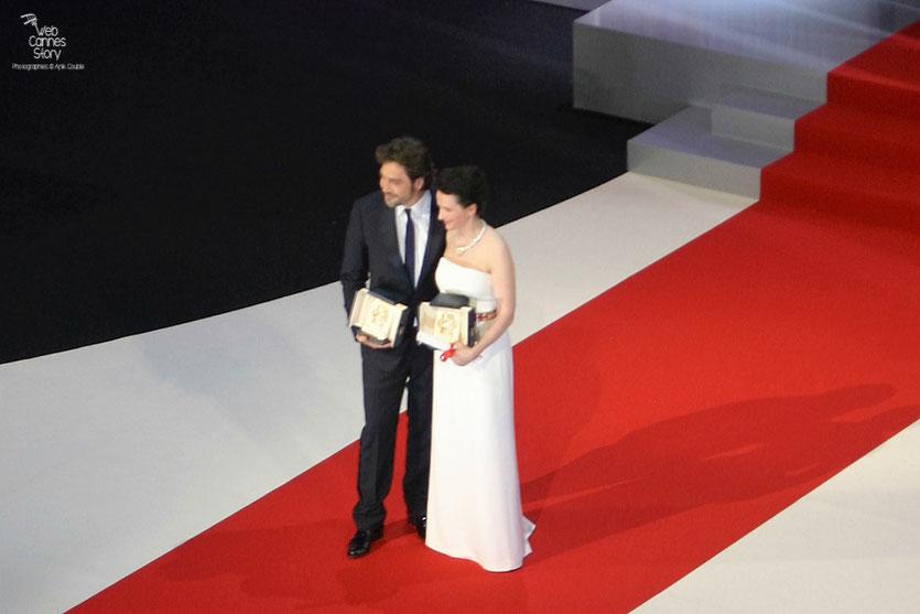 Juliette Binoche,  Prix d'interprétation féminine et Javier Bardem, Prix d'interprétation masculine - Festival de Cannes 2010 - Photo © Anik Couble