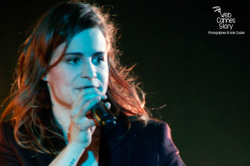 Christine & The Queens, en concert privé Radio Scoop - Casino le Lyon Vert - 7 avril 2015 - Charbonnières les Bains - Photo © Anik COUBLE