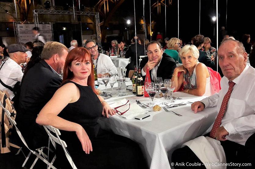 Max Lefrancq-Lumière, petit-fils de Louis Lumière, entouré de sa femme Michèle et de ses amis,  lors du très convivial dîner d'ouverture du Festival Lumière 2018 - Lyon - Photo © Anik Couble