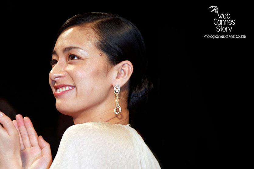 """Machiko Ono, actrice du film japonais """"Tel père, tel fils"""" de Kore-Eda Hirokazu - Festival de Cannes 2013 - Photo © Anik COUBLE"""