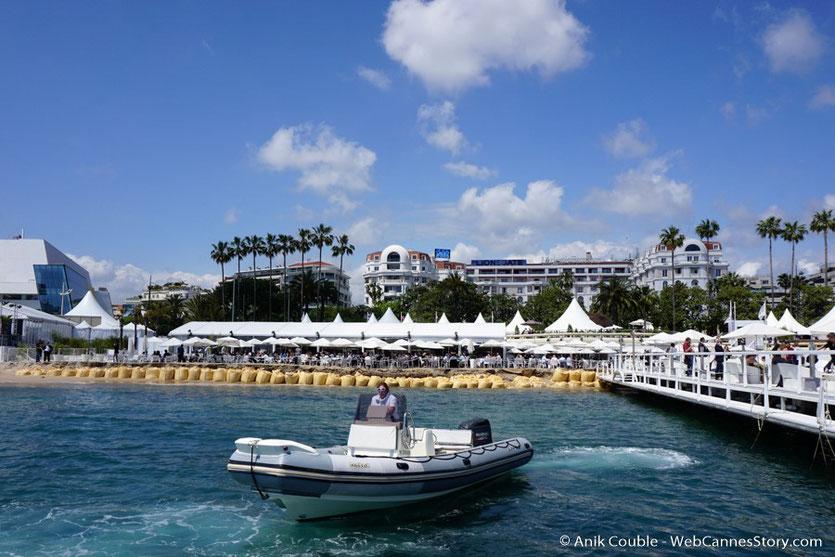 """Départ pour la visite du """"Sam Simon"""", l'un des bateaux de la fondation Sea Shepherd - Festival de Cannes 2016 - Photo © Anik Couble"""