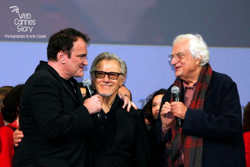 Quentin Tarantino, entouré de Harvey Keitel et Bertrand Tavernier sur la scène de la Halle Tony Garnier - Clôture du Festival Lumière - Lyon - 2013 - Photo © Anik COUBLE