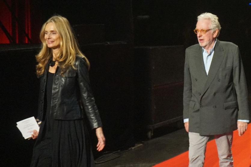 Nastassja Kinski et Hugh Hudson, sur le tapis rouge, lors de la cérémonie d'ouverture du Festival Lumière 2018 - Lyon - Photo © Anik Couble