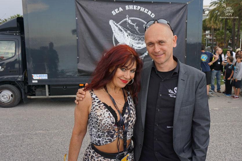 Esméralda Petit Benito et  Alex Corélien, à l'issue de la  Conférence de Presse de l'Association Sea Shepherd, en marge du  Festival de Cannes 2016 - Photo © Anik Couble