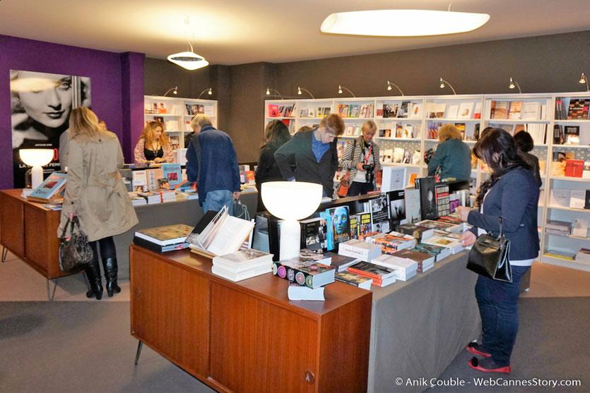 Le village du Festival Lumière et sa librairie - Festival Lumière 2016 - Lyon - Photo © Anik Couble