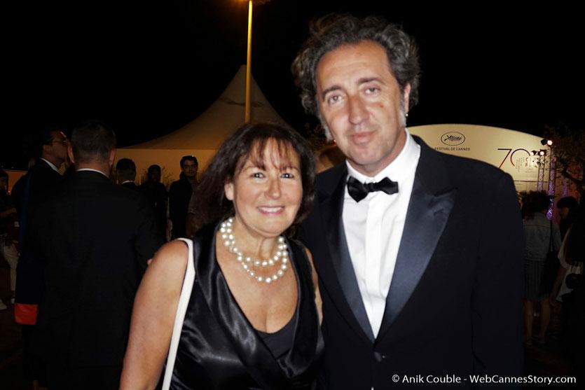 En compagnie Paolo Sorrentino, membre du Jury, lors soirée de clôture du Festival de Cannes, sur la plage de l'Hôtel Majestic - Festival de Cannes 2017 - Photo © Anik Couble