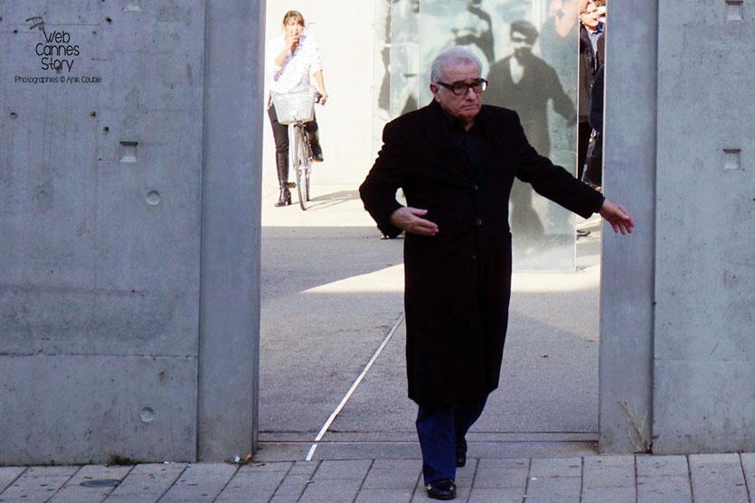 """Martin Scorsese, lors du remake de """" Sortie d' Usine """" - Festival Lumière 2015 - Photo © Anik COUBLE"""