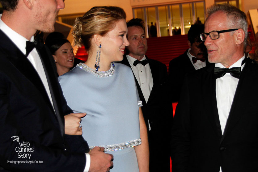 "Léa Seydoux et Thierry Fremaux, lors de la projection de ""The Lobster"" de Yorgos Lanthimos - Festival de Cannes 2015 - Photo © Anik COUBLE"