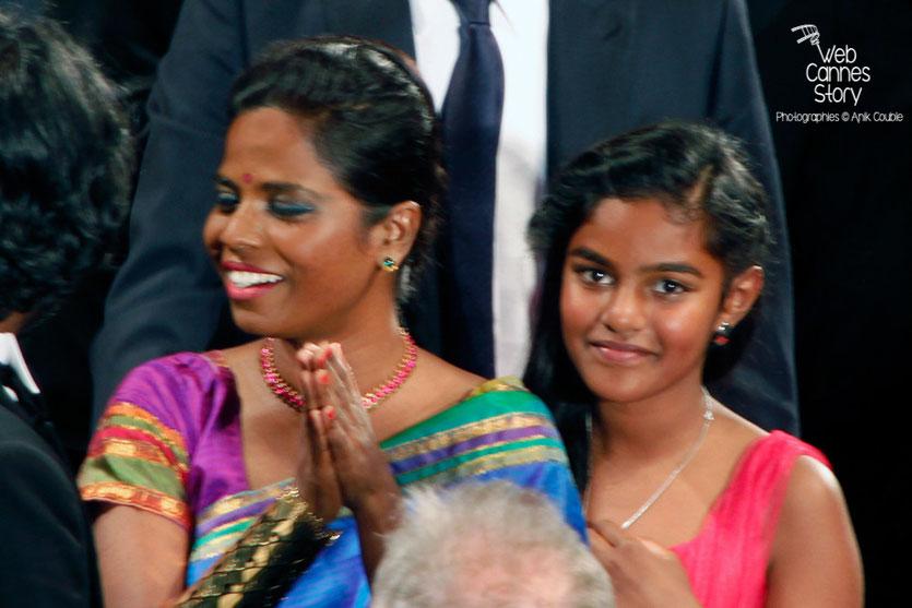 Kalieaswari Srinivasan et Claudine Vinasithamby, lors de la projection du film « Dheepan » de Jacques Audiard - Festival de Cannes 2015 - Photo © Anik COUBLE