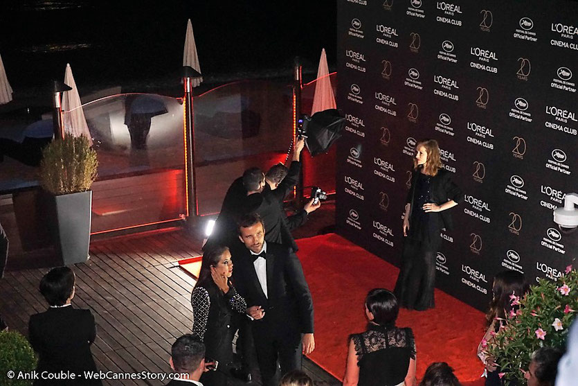 Isabelle Huppert, lors de la soirée L'Oréal Paris célébrant leurs 20 ans de partenariat avec le Festival de Cannes - Festival de Cannes 2017 - Photo © Anik Couble