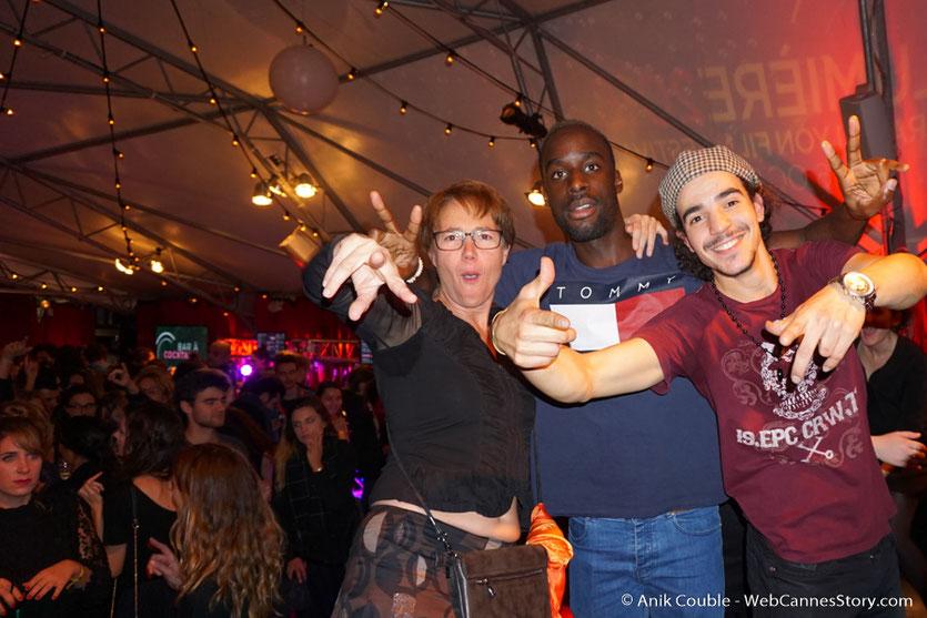De sympathiques festivaliers,  lors d'une très joyeuse soirée à La Plateforme - Nuits Lumière - Festival Lumière 2016 - Lyon - Photo © Anik Couble