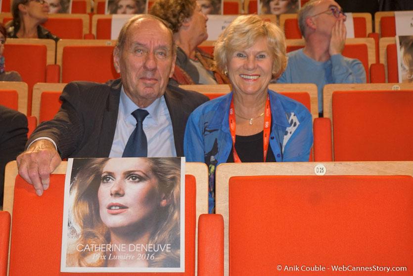 Max Lefrancq-Lumiere et son épouse Michèle, lors de  la cérémonie de remise du Prix Lumière - Festival Lumière - Amphitheâtre 3000 - Lyon - Oct 2016  - Photo © Anik Couble