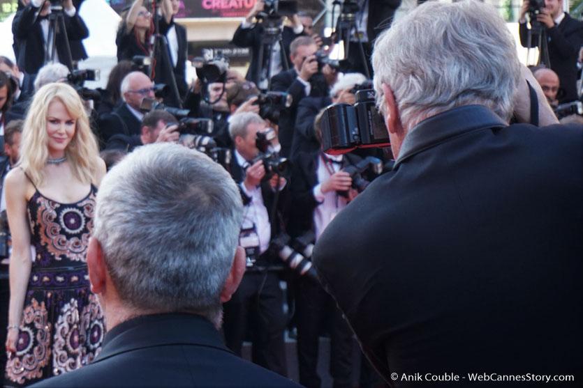Nicole Kidman, sur le tapis rouge, pour assister à la cérémonie des 70 ans du Festival de Cannes - Festival de Cannes 2017 - Photo © Anik Couble