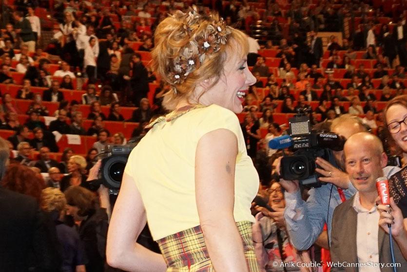 Arrivée de Julie Depardieu à la cérémonie de remise du Prix Lumière - Amphitheâtre 3000 - Lyon - Oct 2016  - Photo © Anik Couble
