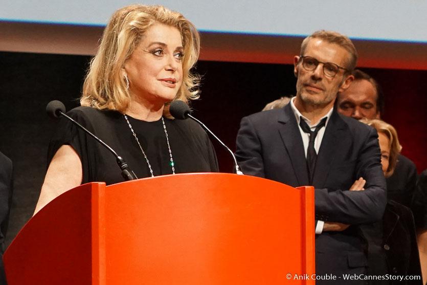 Chiara Mastroïani et Lambert Wilson - Cérémonie de remise du Prix Lumière - Amphitheâtre 3000 - Lyon - Oct 2016  - Photo © Anik Couble
